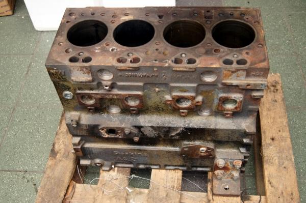 CATERPILLAR Blok silnika 3054B, ,